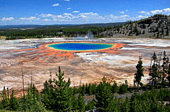 Grand_Prismatic_Spring_and_Midway_Geyser_Basin_from_above[1]