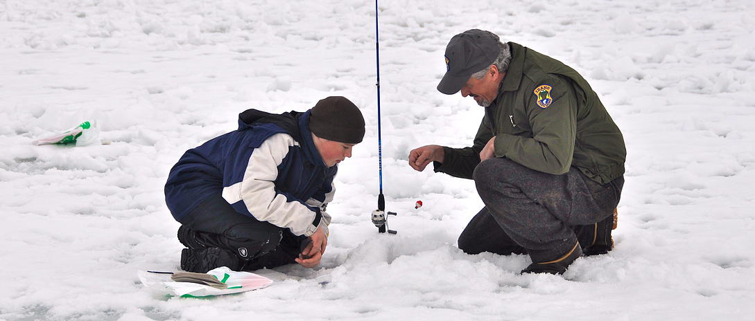 Experts will be on hand to help beginning ice anglers learn the ropes.